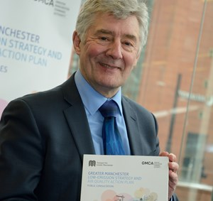 tfgm_air_quality_action_plan_2016_tony_lloyd_2