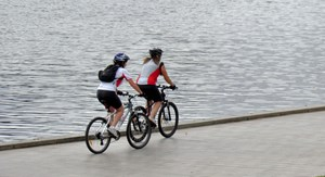 riverside_cycling_rgbstock_3