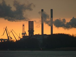industry_by_sunset_rgbstock_0