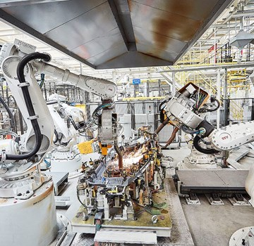 Picture of Record number of robots in UK factories